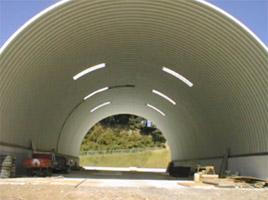 刈草保管庫 ドーム型 施設 建築 設計 倉庫 畜舎 工場 宝和工務